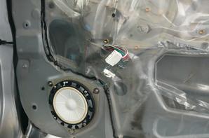 トヨタ ファンカーゴ 高音質APM-SP1カ―スピーカー 取り付け-Before