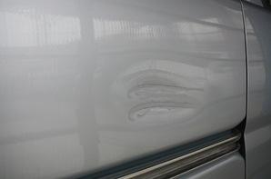 ダイハツハイゼット 右リヤフェンダー板金塗装-Before